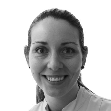 Dra. Cláudia Manso